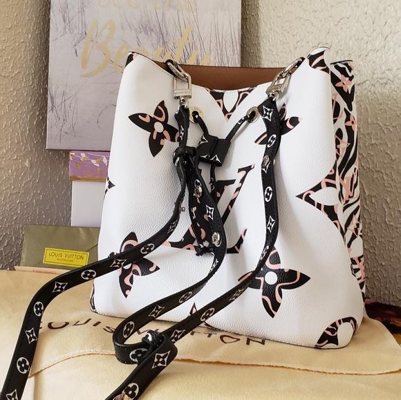 Louis Vuitton Handbags - Beautiful women's handbag